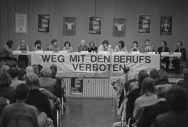 Foto: Konferenz gegen die Berufsverbote mit internationalen Gästen im Gustav-Radbruch-Haus, Hamburg, 3. September 1976, Foto: © Michael Meyborg