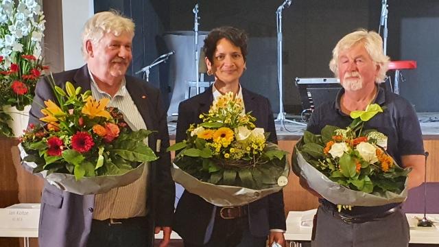 Foto: Glückwunsch zur Wahl! Ernst Heilmann (Stadtverband Bergedorf), Tanja Chawla (DGB Hamburg), Wolfgang Brandt (Stadtverband Harburg)